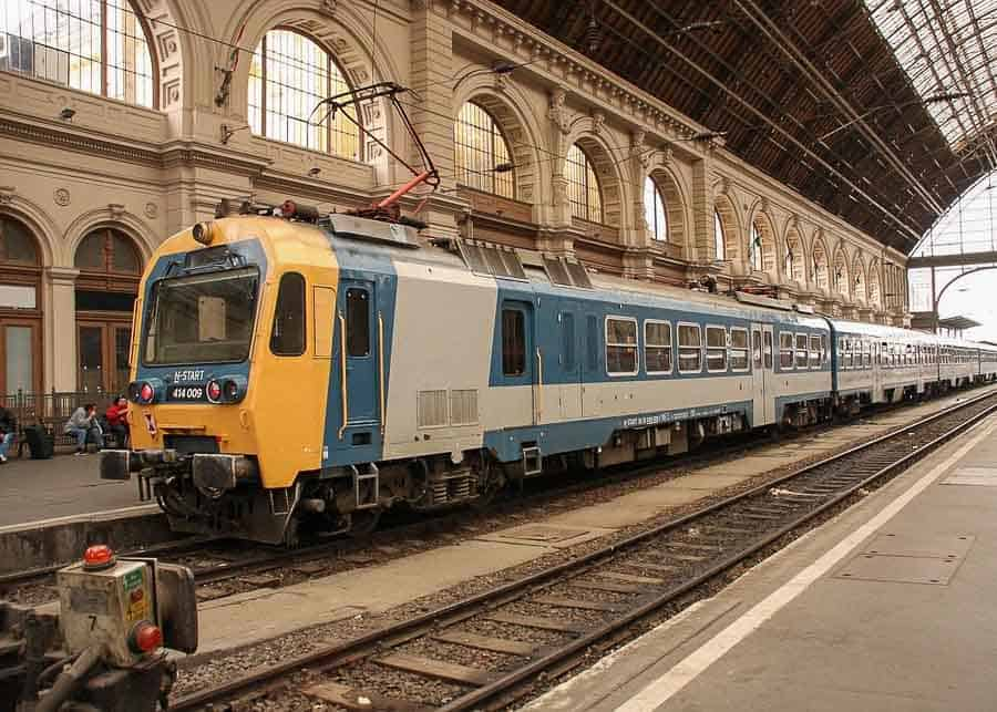 Budapest travel tips: traveling by train