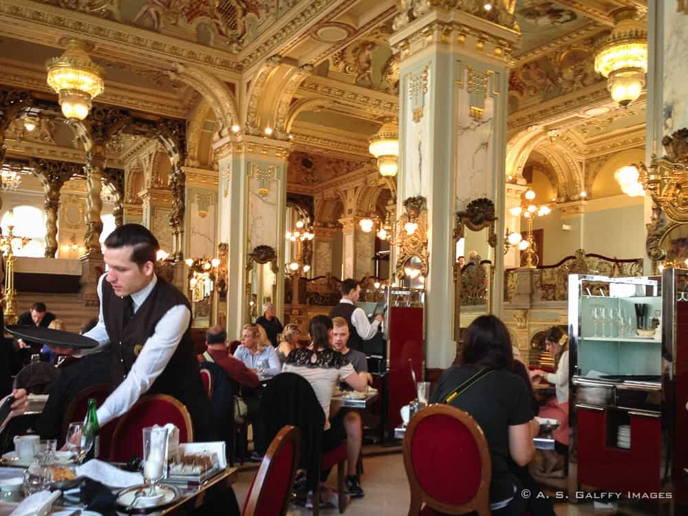 New York Cafes And Restaurants