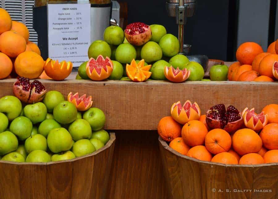 Fresh fruit in Istanbul