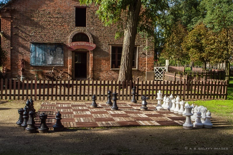 Chess game on the chateau grounds
