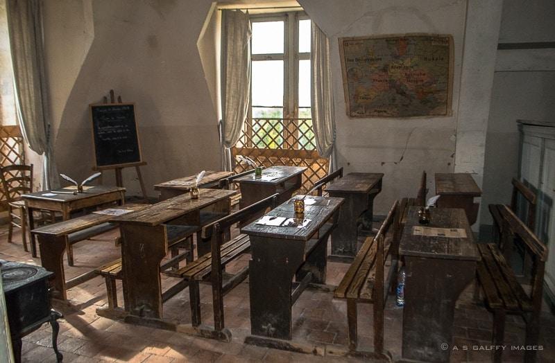 Old classroom re-creation at the Chateau Saint-Aubin