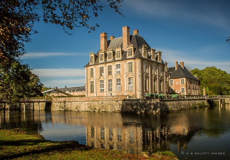 Hidden Treasures of the Loire Valley: Château La Ferté Saint-Aubin