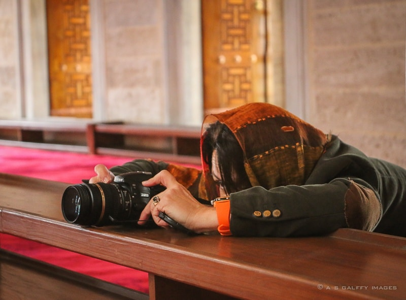 Taking pictures in a mosque