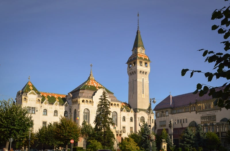 Things to do in Târgu Mures: visit the Prefecture Building