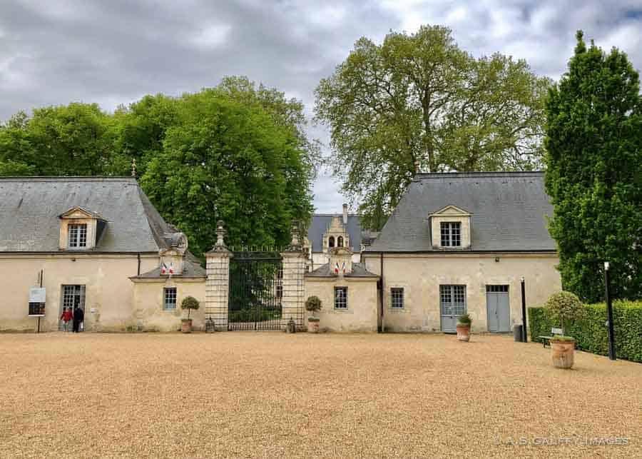 The château grounds