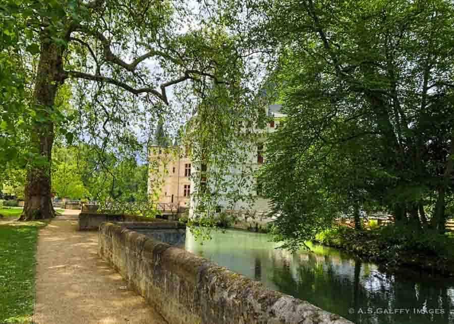 The English-style garden at Château Azay Le Rideau