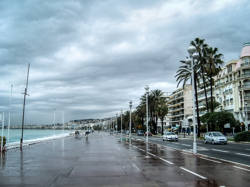 Avenue des Angles in Nice in winter