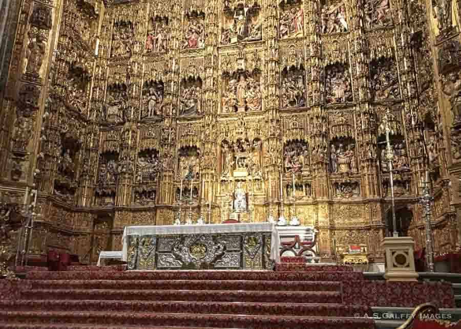 Altarpiece in Capilla Mayor