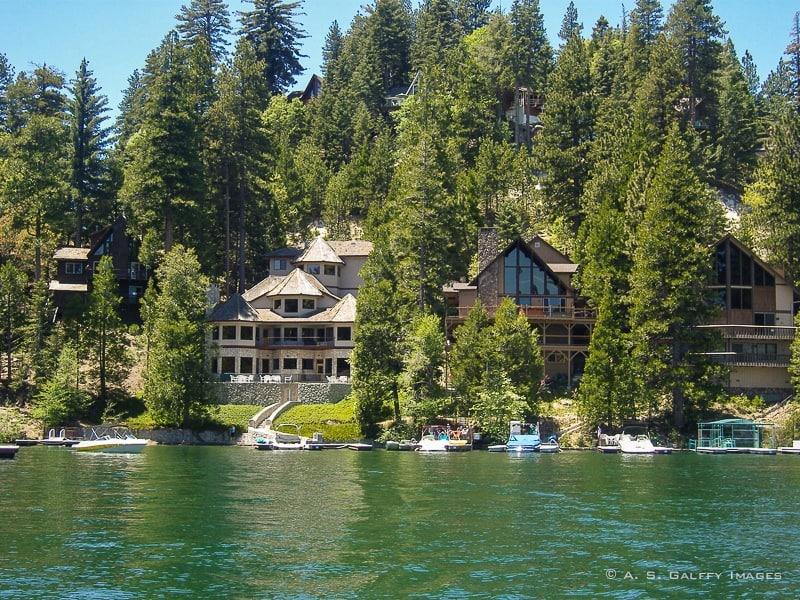 Luxury estates around Lake Arrowhead