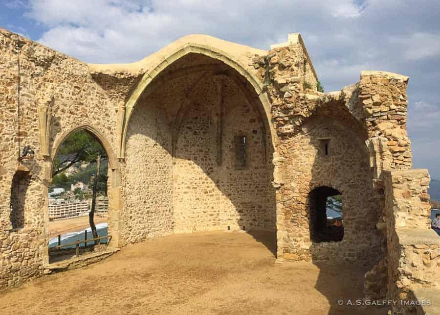 Ruins of an ancient church in Vila Vella