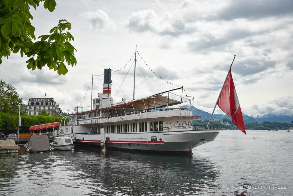 Things to do in Lucerne: boat tour on Lake Lucerne