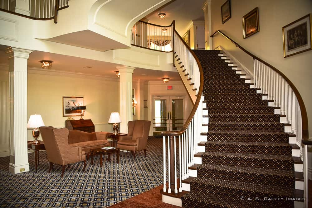 Avon Old Farms Hotel, an Unexpected Twist of Elegance / Luxury Travel