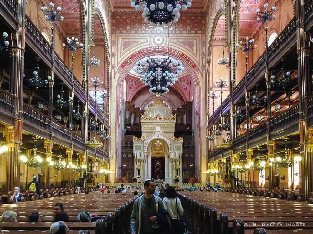 interior of jewish synagogue