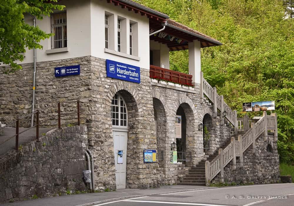 Hardenbahn Funicular, bottom station building