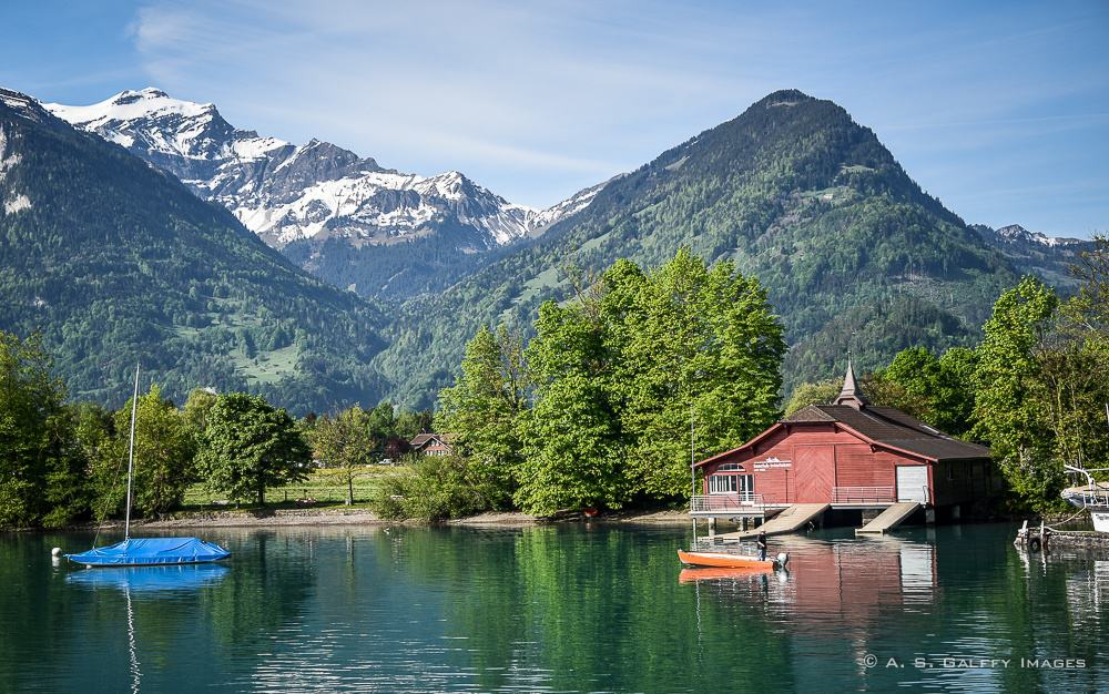 Small towns along the shore of Lake Brienz