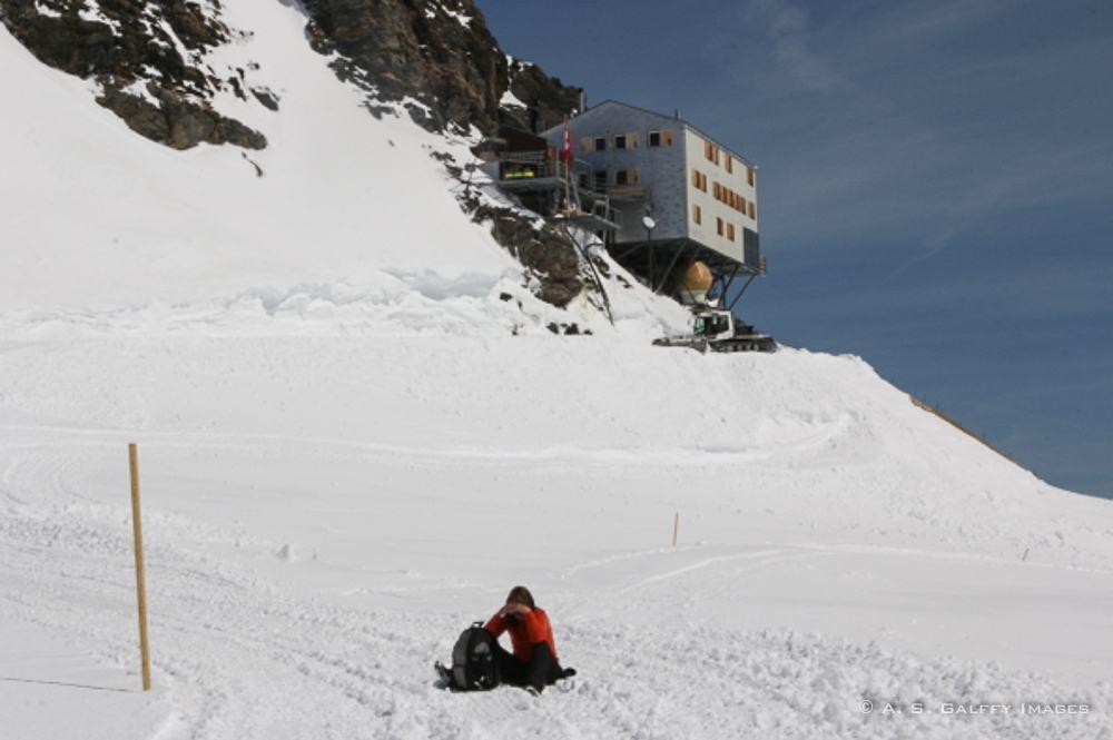 fighting altitude sickness atop the Jungfraujoch