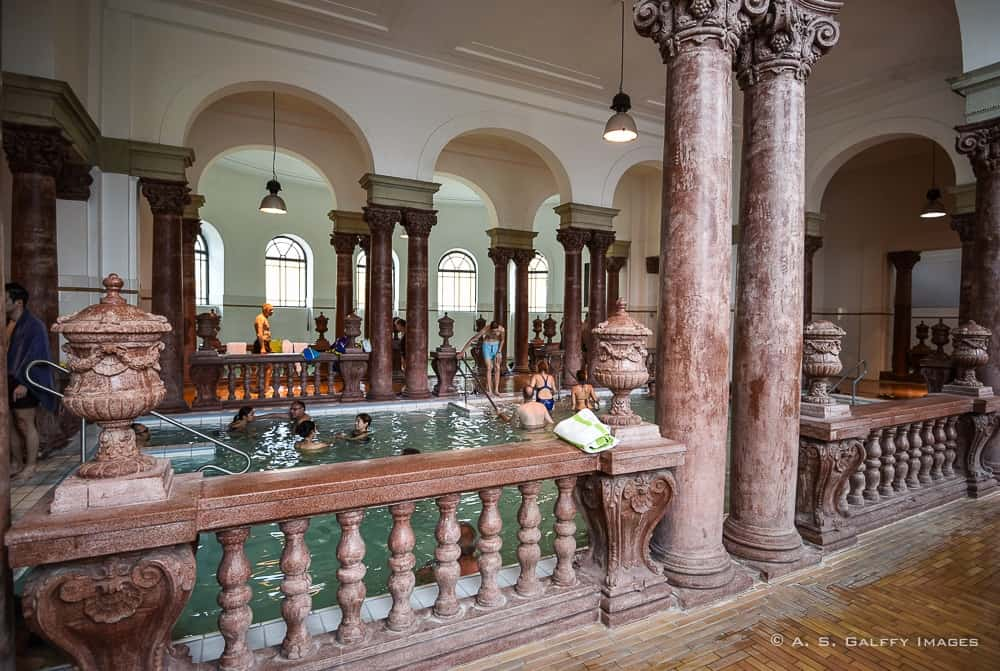 Széchenyi Baths indoors pool