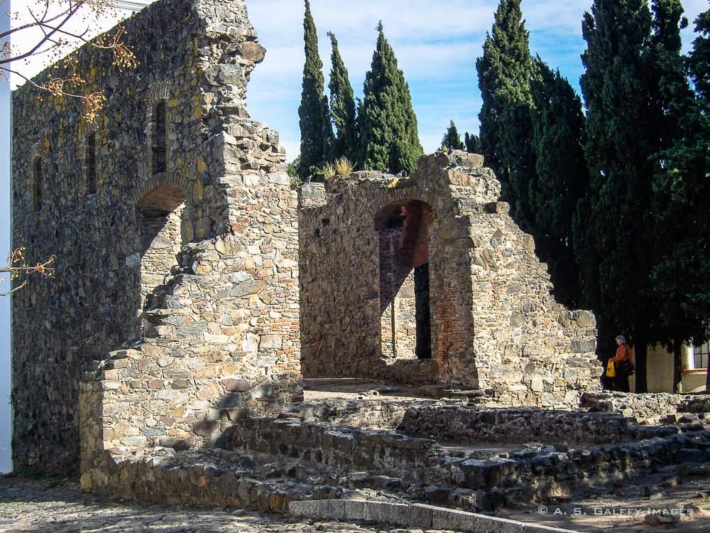 Ruins of the Convent of San Francisco in Colonia