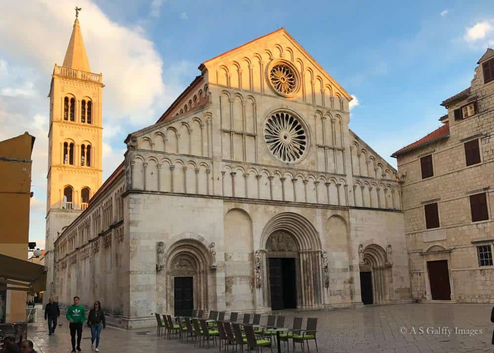 Image depicting the façade and tower of Zadar Cathedral