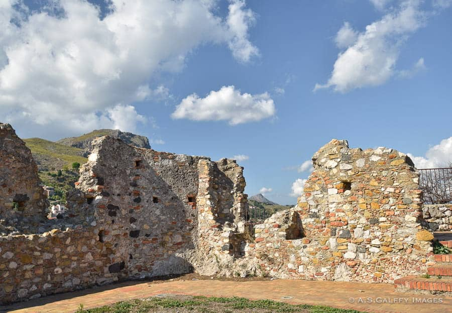 Norman Castle wall in Forza d'Agro