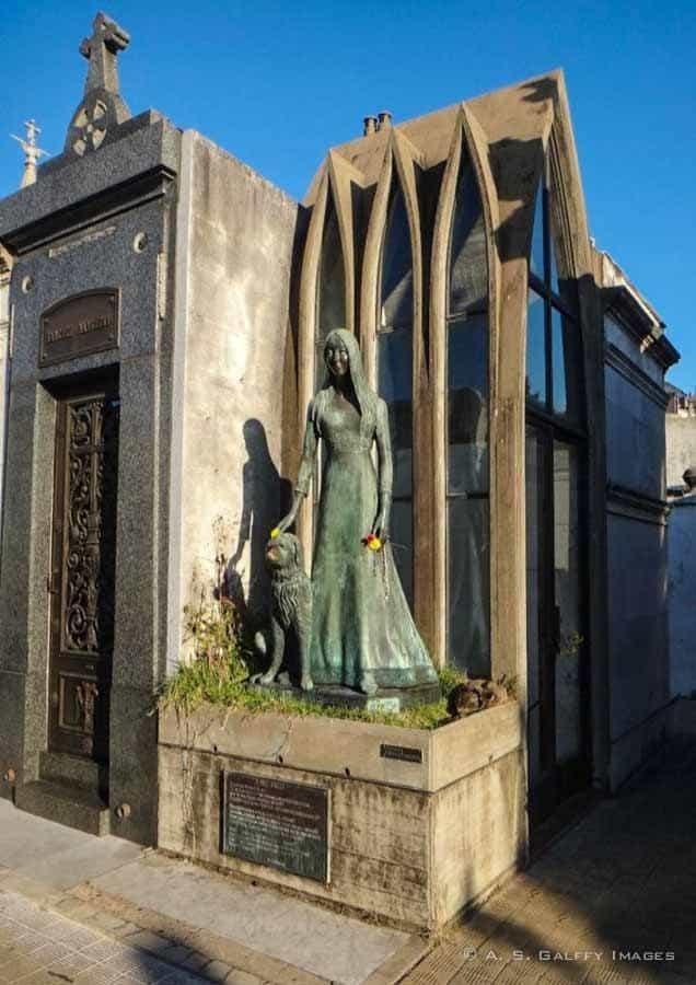 Liliana Crociati's crypt in La Recoleta Cemetery