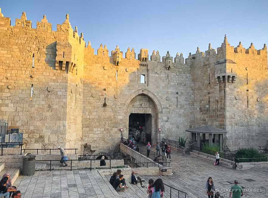 Places to visit in Jerusalem: Damascus Gate