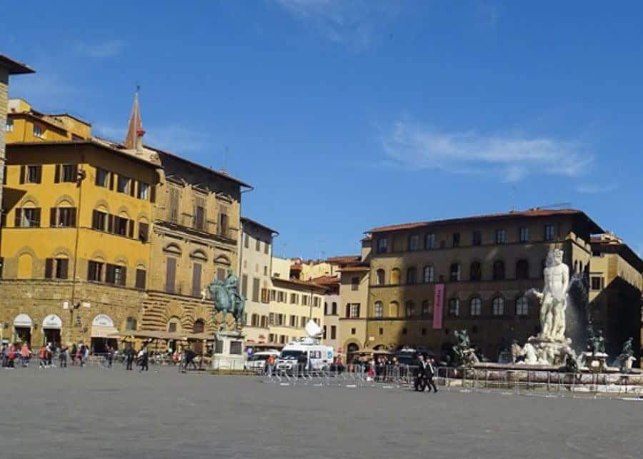 One day in Florence: Piazza della Signoria