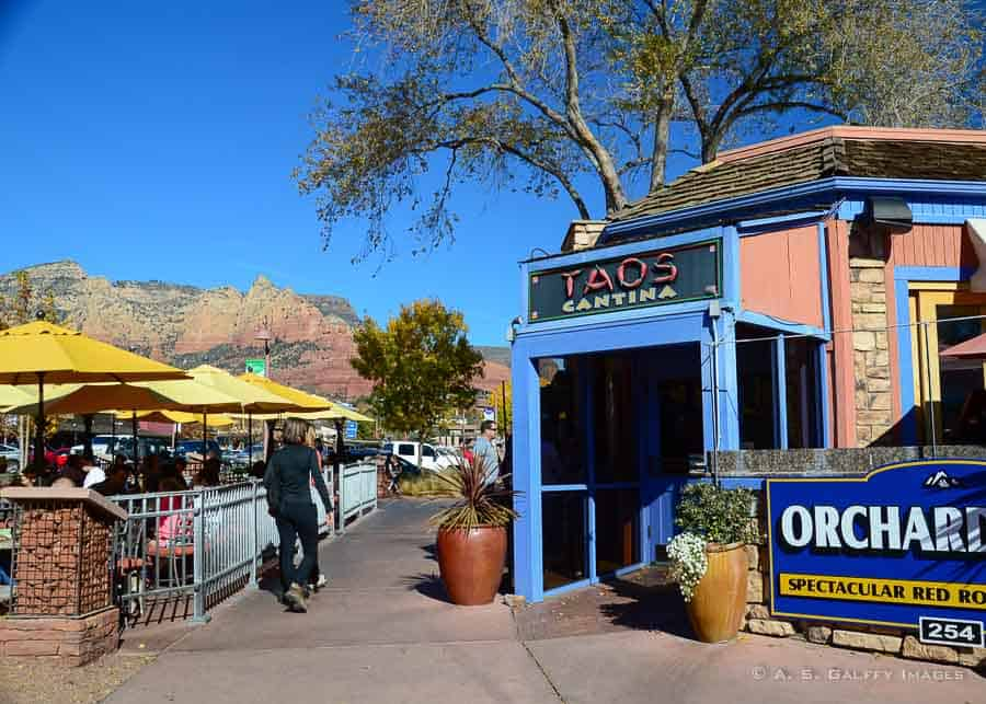 Things to do in Sedona - eating at a restaurant