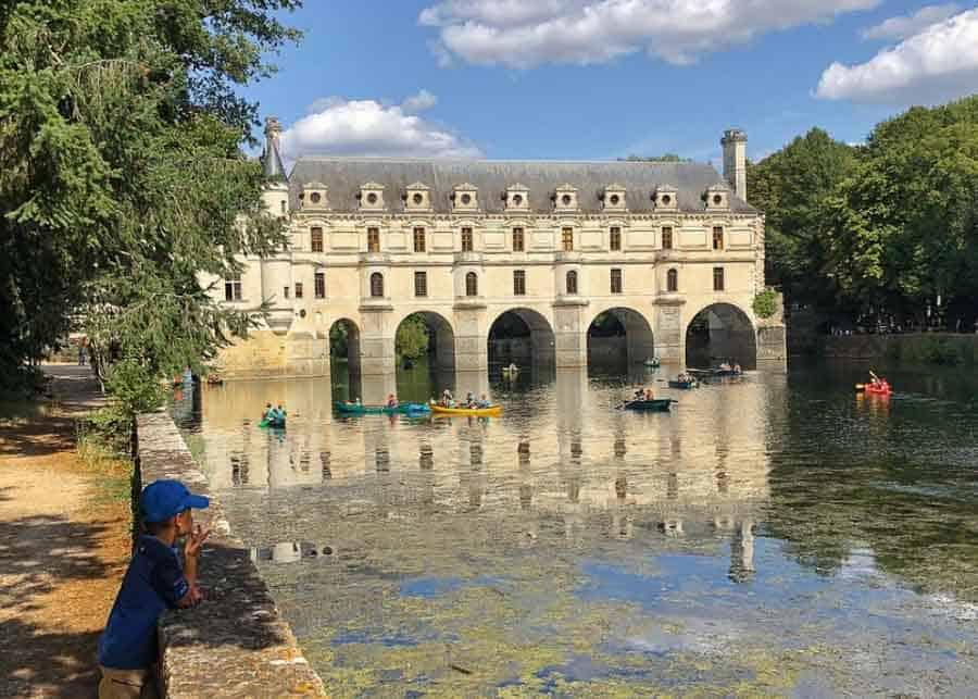 Arched bridge at Chateau de Chenonceau