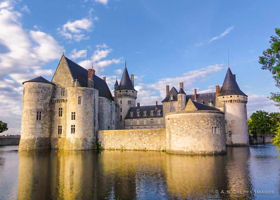 Loire Valley Castles: Chateau de Sully