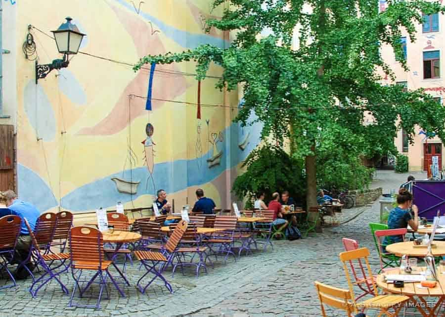 Image depicting a Small eatery in Kunsthofpassage
