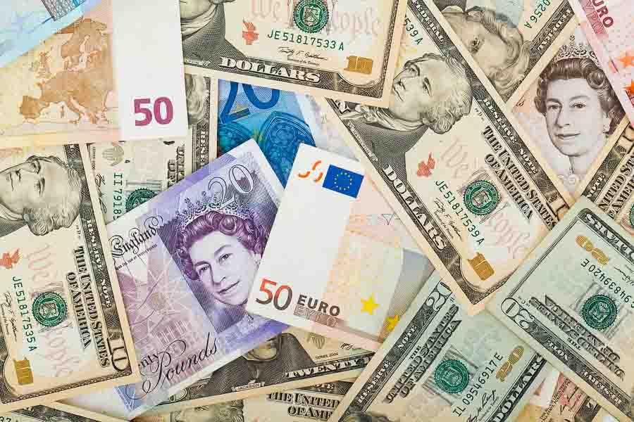 Europe travel tips: exchanging money