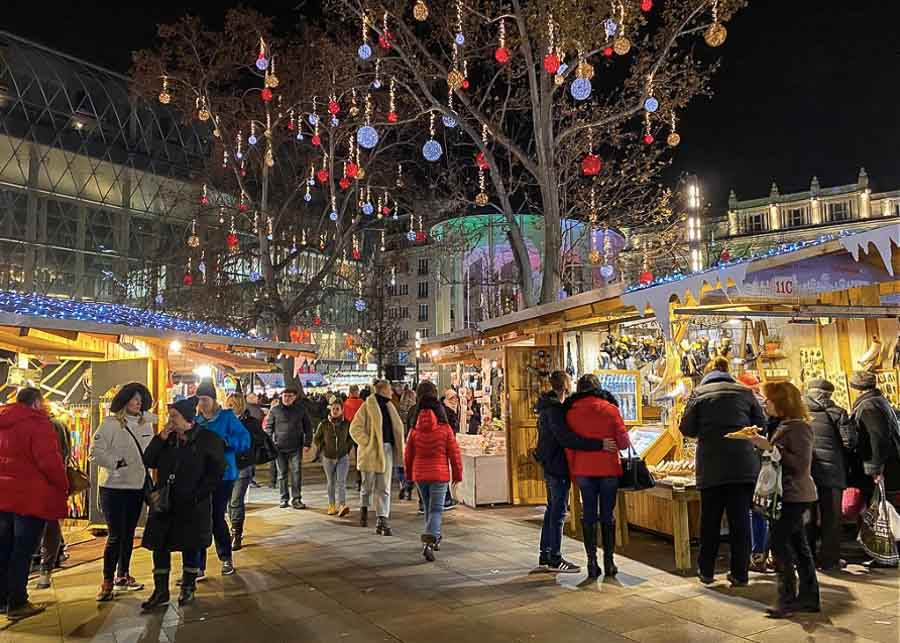 Strolling through Budapest Christmas markets in winter