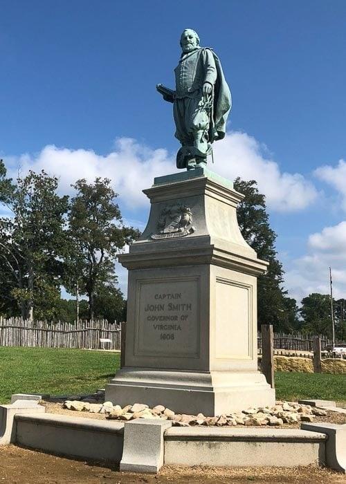 Bronze statue of Captain Smith in Jamestown Settlement