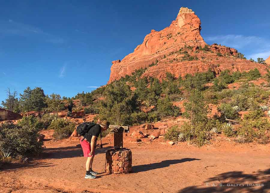 Hiking down the Soldier Pass trail