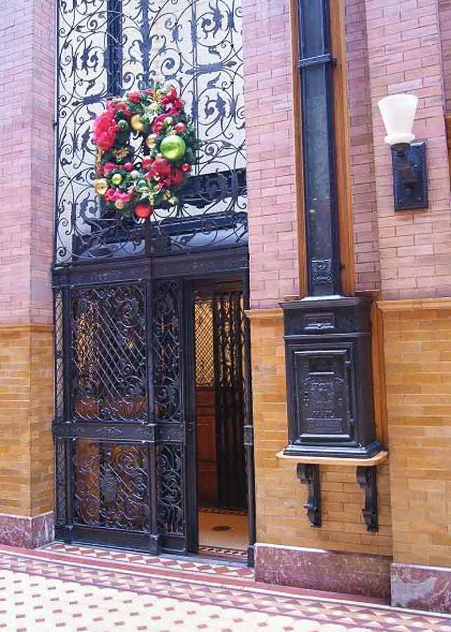 Bird-cage style elevator at Bradbury Building