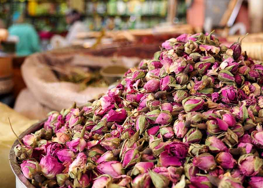 buying dried rose buds from France