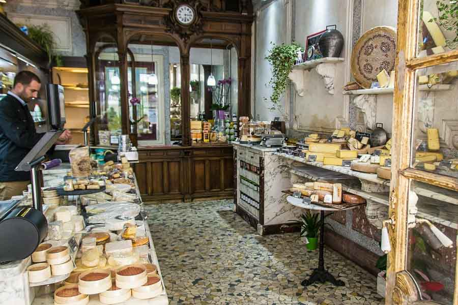 Fromagerie in Paris