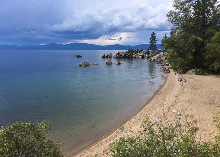 Secret Cove beach on the East Coast of Lake Tahoe