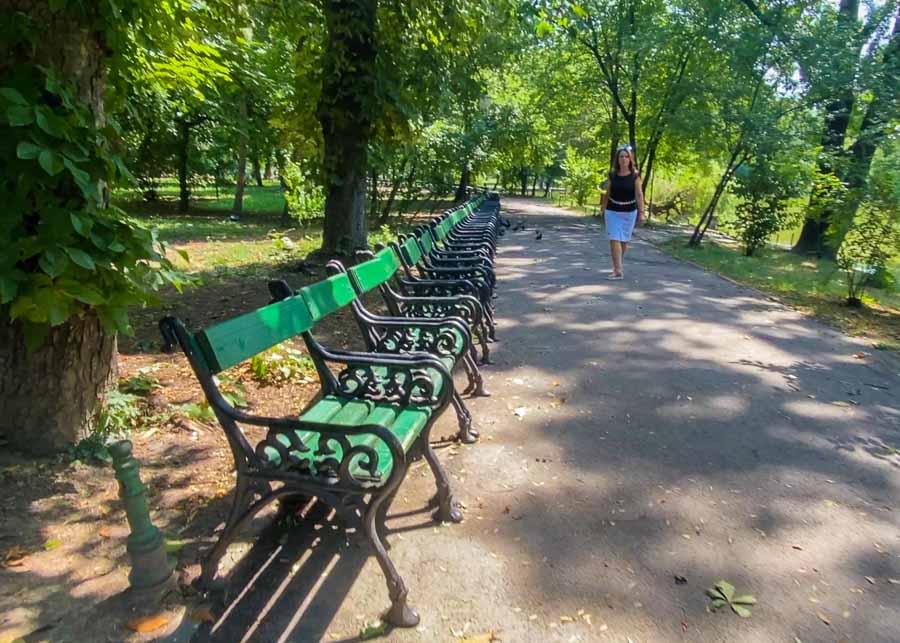 Walking in Cismigiu Park
