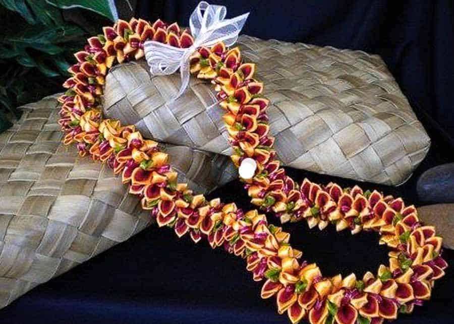 Hawaiian souvenir: garland of Lei
